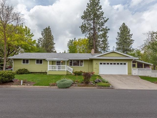 2305 E 39TH Ave, Spokane, WA 99203 (#201918490) :: The Spokane Home Guy Group