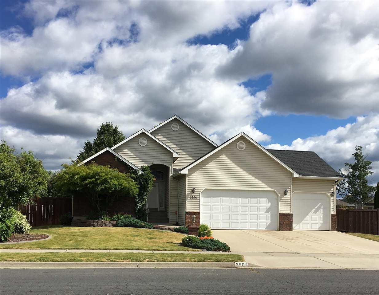 2504 W Cascade Way, Spokane, WA 99208 (#201918523) :: Northwest Professional Real Estate