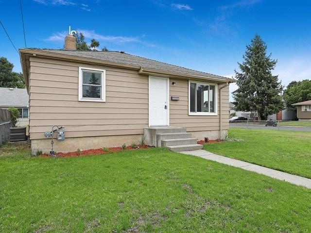 4906 N Pittsburg St, Spokane, WA 99207 (#201920292) :: RMG Real Estate Network