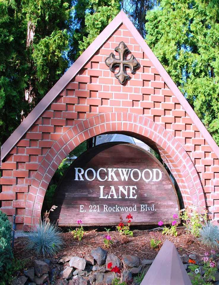 221 Rockwood Blvd - Photo 1