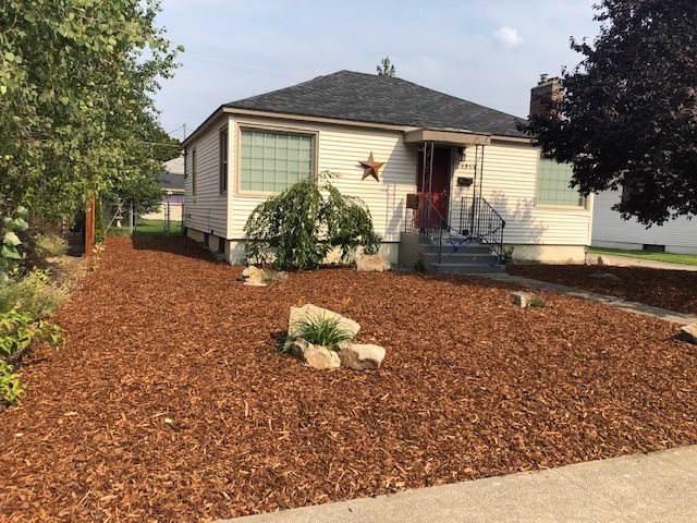 4914 N Lincoln Rd, Spokane, WA 99205 (#201923887) :: Chapman Real Estate