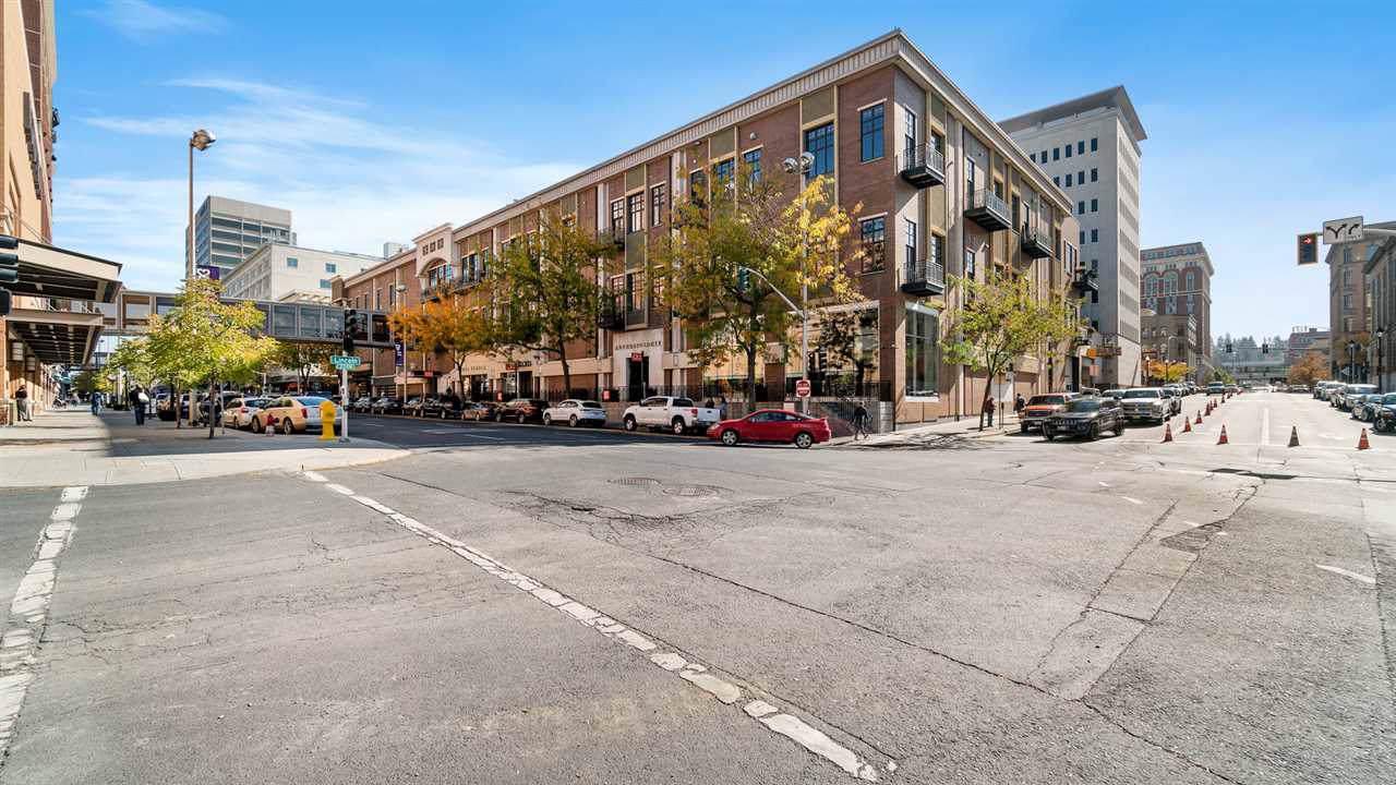 809 Main Ave - Photo 1