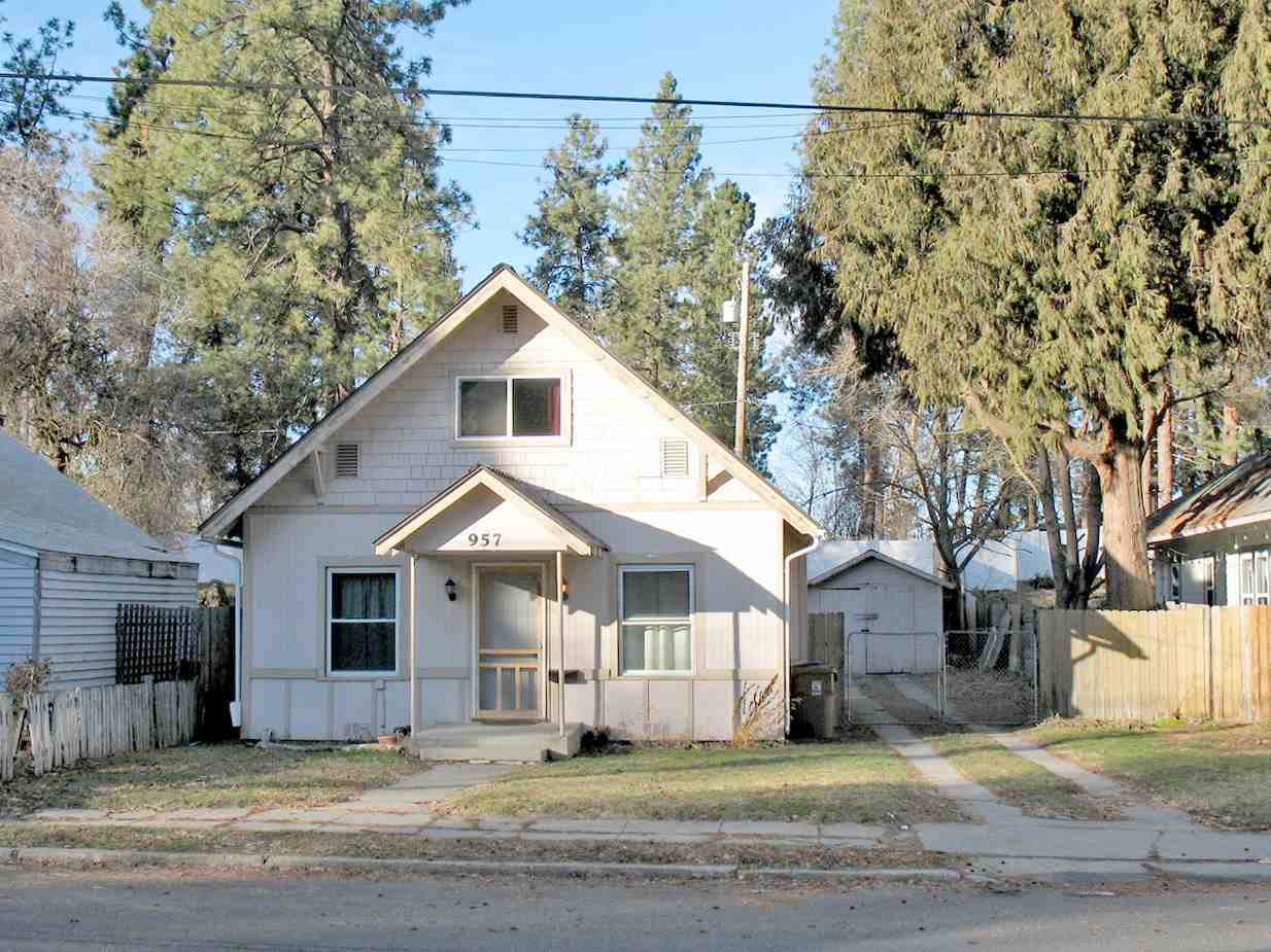 957 9th Ave - Photo 1