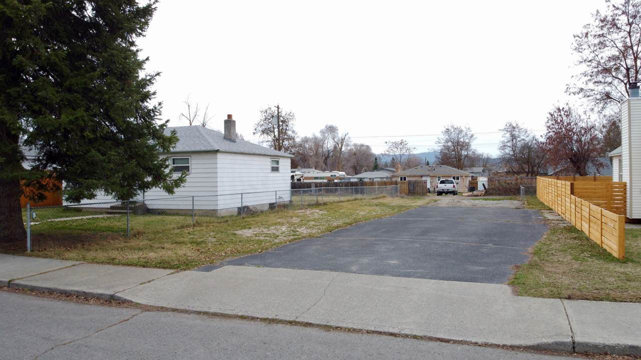 4218 Fairview Ave - Photo 1