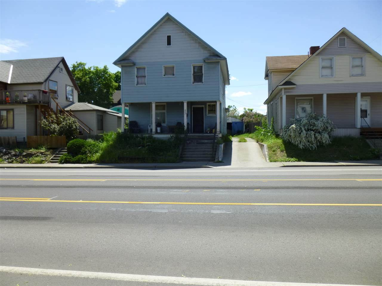 907 Maxwell Ave - Photo 1