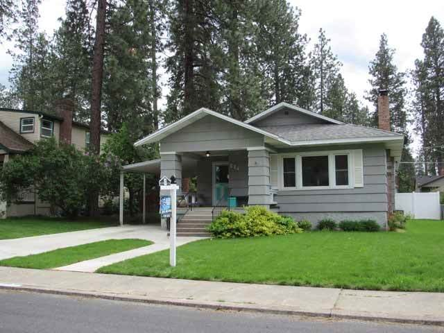 24 E 33 Ave, Spokane, WA 99203 (#202016066) :: Top Agent Team