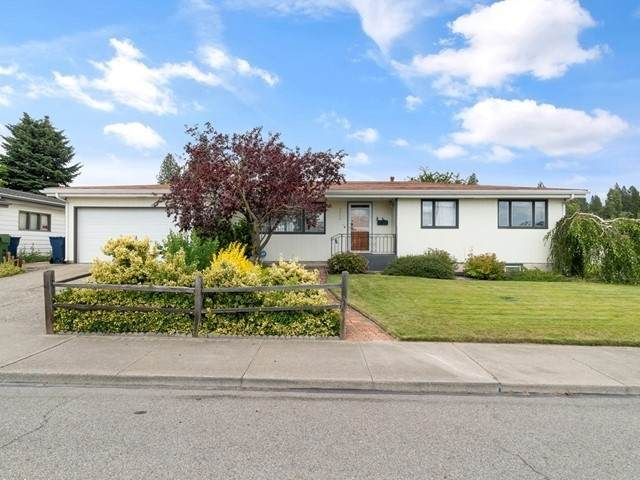 2804 W Holyoke Ave, Spokane, WA 99208 (#202018563) :: Top Agent Team