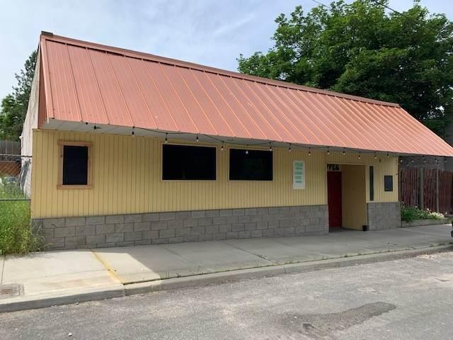 107 W Shaffer Ave, Springdale, WA 99173 (#202019120) :: The Spokane Home Guy Group