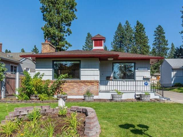4111 S Perry St, Spokane, WA 99203 (#202020332) :: RMG Real Estate Network