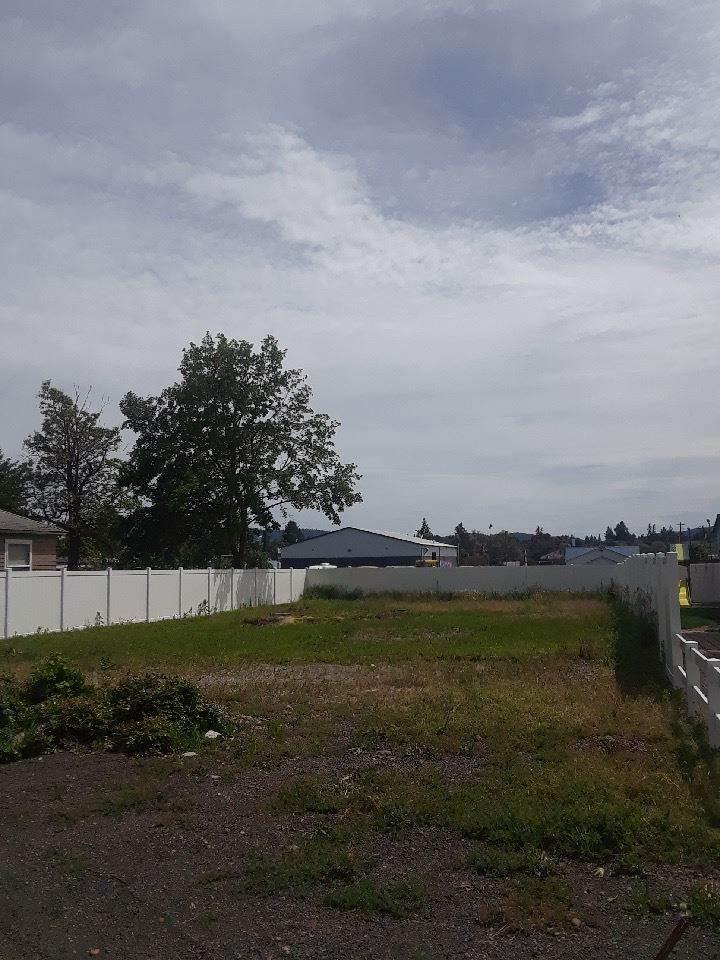 11818 Main Ave - Photo 1