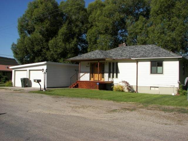 307 N 2nd E St, Chewelah, WA 99109 (#202022450) :: The Spokane Home Guy Group