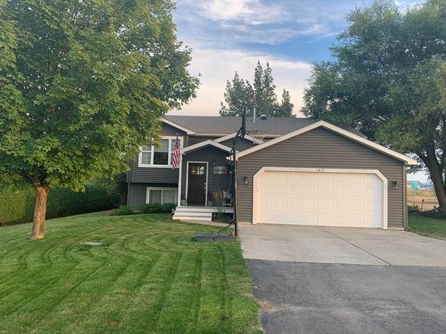 1411 Sinclair St, Davenport, WA 99122 (#202023637) :: The Hardie Group