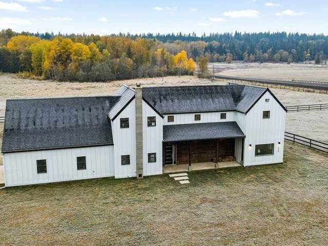 1522 E Eloika Lake Rd, Deer Park, WA 99006 (#202024149) :: The Spokane Home Guy Group