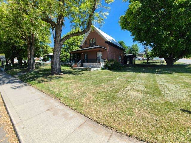 371 S Hofstetter St, Colville, WA 99114 (#202116601) :: Five Star Real Estate Group