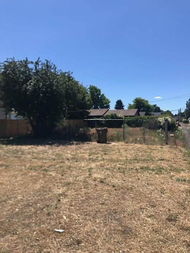 1222 E Marietta Ave, Spokane, WA 99207 (#202117477) :: Freedom Real Estate Group