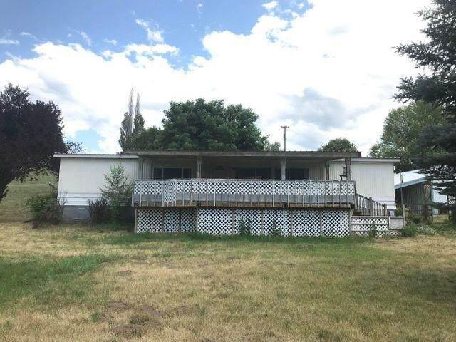 2351 Bossburg Rd, Evans, WA 99126 (#202117592) :: Elizabeth Boykin | Keller Williams Spokane