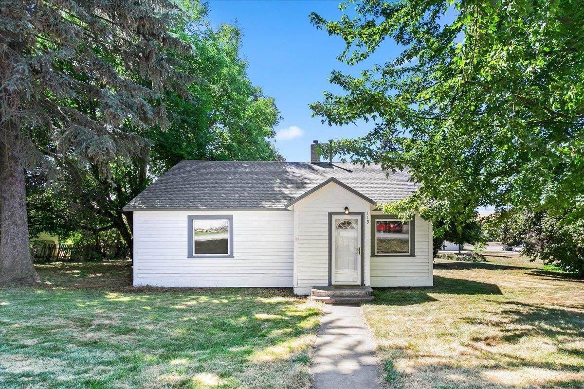 119 Whitman Ave - Photo 1