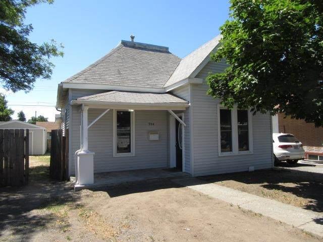 904 E Walton Ave, Spokane, WA 99207 (#202119567) :: Cudo Home Group