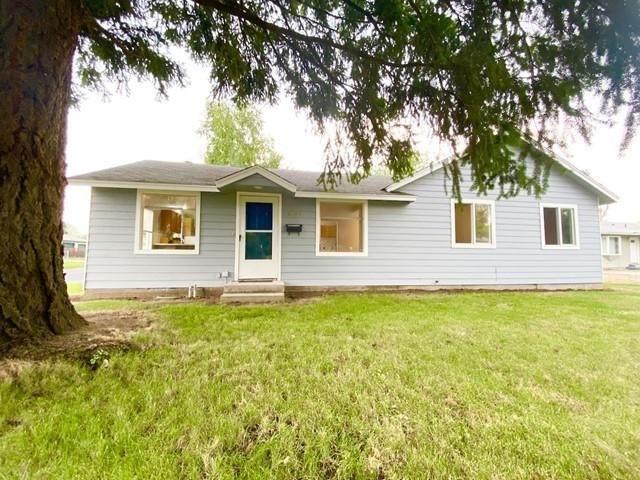 6103 N Stevens St, Spokane, WA 99205 (#202120107) :: Prime Real Estate Group