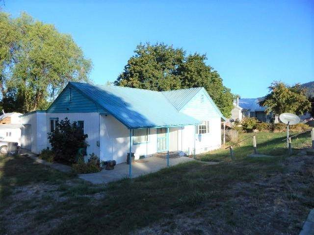 472 S Hofstetter St, Colville, WA 99114 (#202122526) :: Cudo Home Group