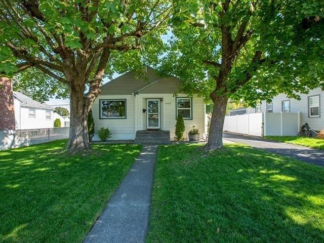 4928 N Hawthorne St, Spokane, WA 99205 (#202122820) :: Heart and Homes Northwest