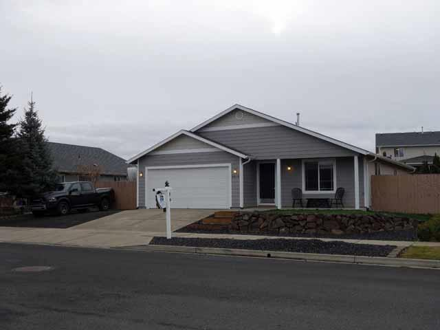 9615 W Caelen Ave, Cheney, WA 99004 (#201727760) :: The Synergy Group