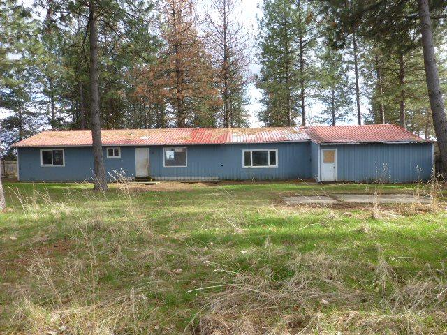 1809 E Crawford Rd, Deer Park, WA 99006 (#201815240) :: The Hardie Group
