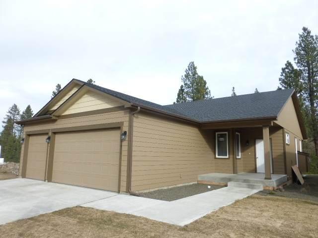 3011 S Custer Ln, Spokane, WA 99223 (#201923388) :: RMG Real Estate Network
