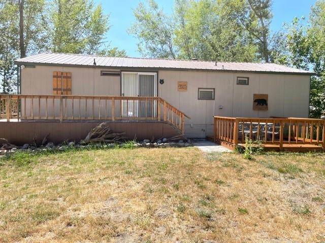 761 Riverbend Loop Rd, Cusick, WA 99119 (#202119273) :: Bernadette Pillar Real Estate