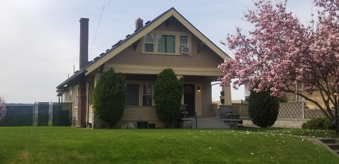 705 Glass Ave - Photo 1