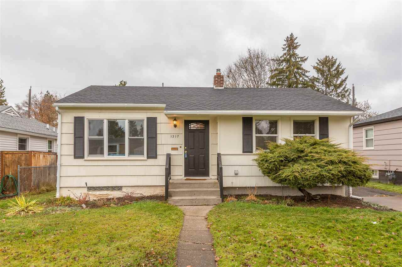 1217 40th Ave - Photo 1