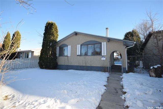1042 Confederation Drive, Saskatoon, SK S7L 4K5 (MLS #SK723395) :: The A Team