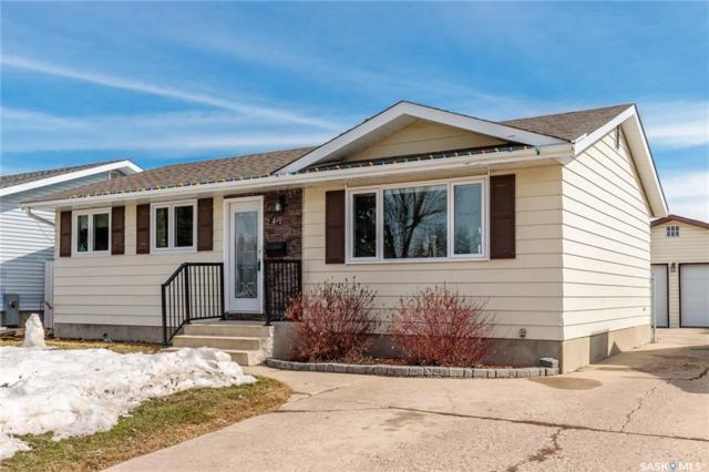 241 Guelph Crescent, Saskatoon, SK S7H 4P9 (MLS #SK727433) :: The A Team