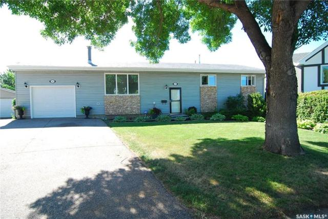 202 Langevin Crescent, Saskatoon, SK S7L 5R3 (MLS #SK743017) :: The A Team