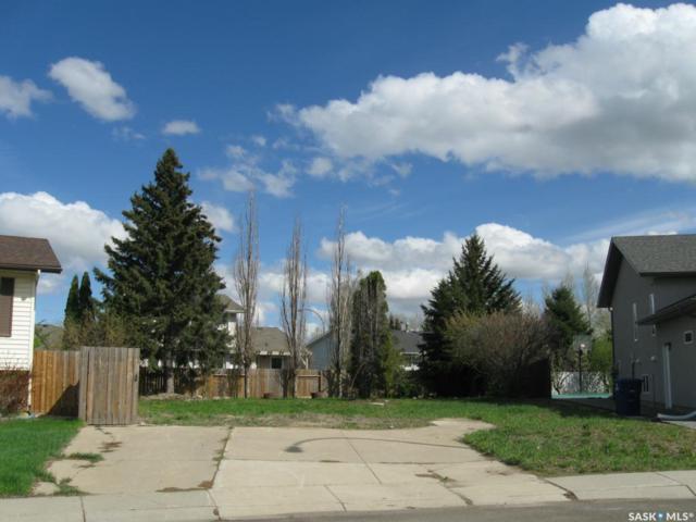 706 Brightsand Crescent, Saskatoon, SK S7J 4Y6 (MLS #SK746154) :: The A Team