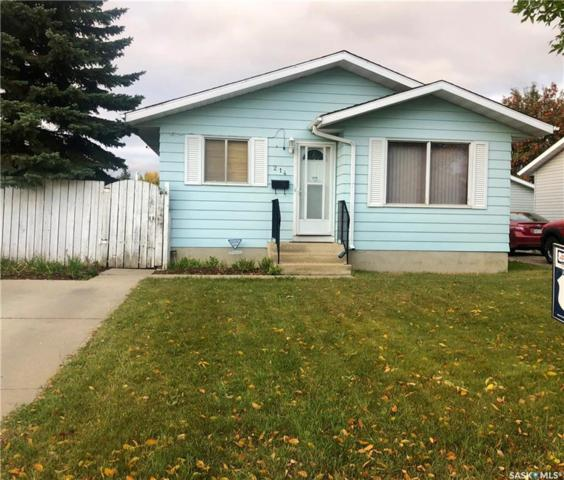 214 Michener Crescent, Saskatoon, SK S7L 5Z1 (MLS #SK747820) :: The A Team