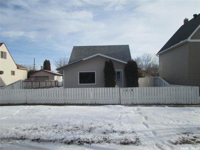 1219 Willow Avenue, Moose Jaw, SK S6H 1H1 (MLS #SK756422) :: The A Team