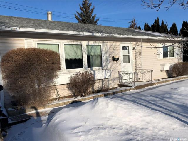 27 Lindsay Drive, Saskatoon, SK S7H 3E2 (MLS #SK756679) :: The A Team