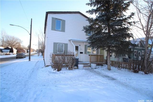 202 L Avenue S, Saskatoon, SK S7M 2H3 (MLS #SK758264) :: The A Team