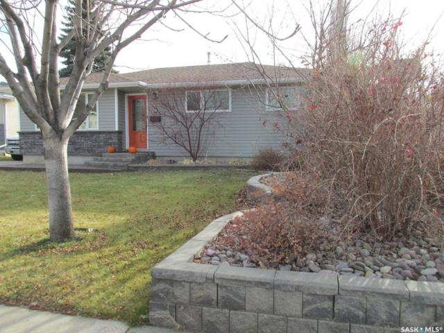 9 Nicholson Place, Saskatoon, SK S7L 4G7 (MLS #SK758555) :: The A Team
