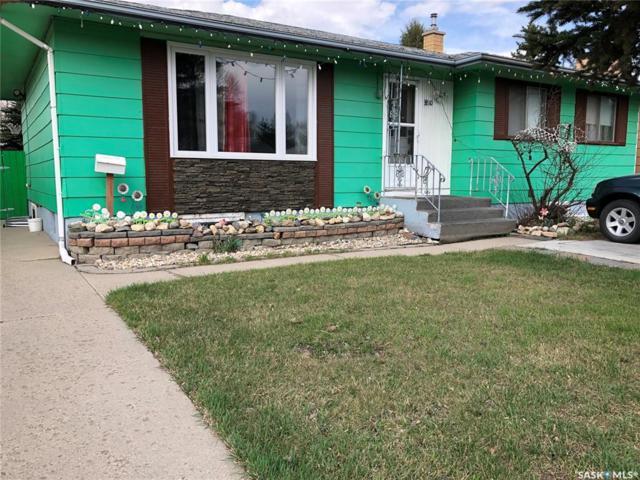 3810 Diefenbaker Drive, Saskatoon, SK S7L 5C7 (MLS #SK758959) :: The A Team