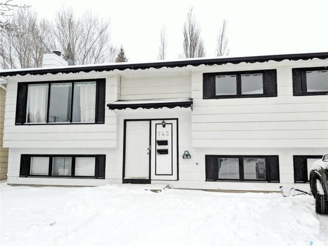 743 Lenore Drive, Saskatoon, SK S7K 5C8 (MLS #SK759135) :: The A Team