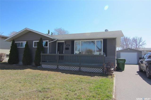 949 Fraser Place, Prince Albert, SK S6V 2T6 (MLS #SK768143) :: The A Team