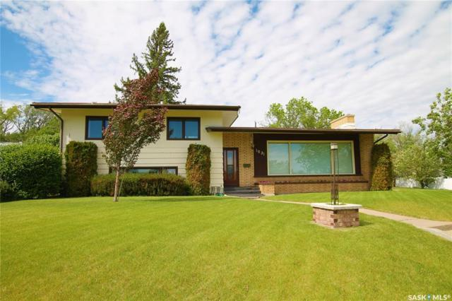 1031 North Hill Drive, Swift Current, SK S9H 1X7 (MLS #SK775897) :: The A Team