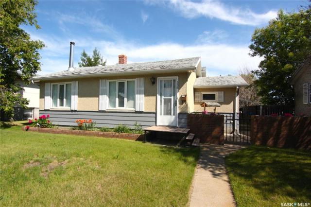 156 28th Street E, Prince Albert, SK S6V 1W9 (MLS #SK778003) :: The A Team