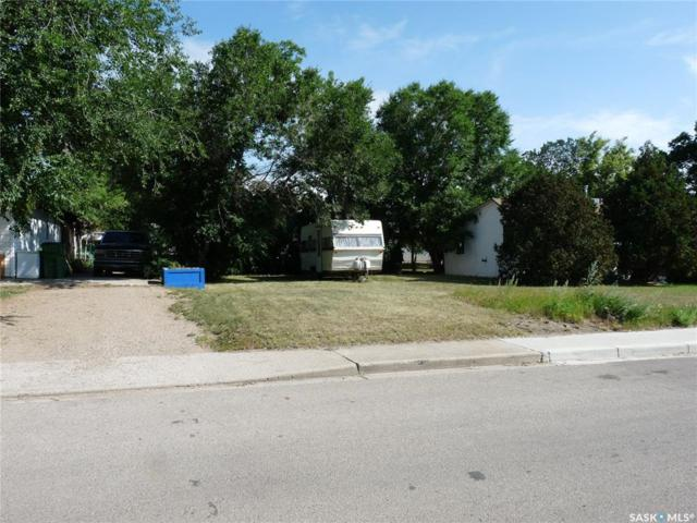 1148 Hochelaga Street W, Moose Jaw, SK S6H 2J2 (MLS #SK782865) :: The A Team
