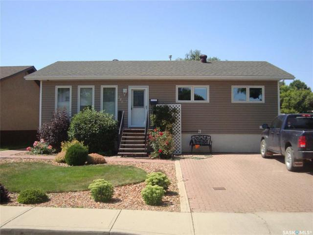 246 5th Avenue SE, Swift Current, SK S9H 3N1 (MLS #SK782967) :: The A Team
