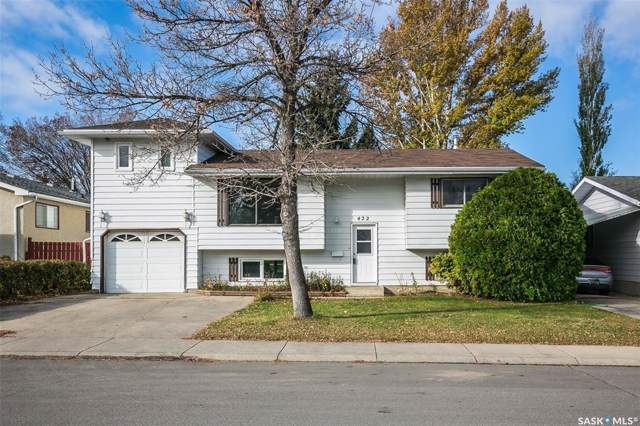 422 Hull Crescent, Saskatoon, SK S7M 4H7 (MLS #SK789319) :: The A Team