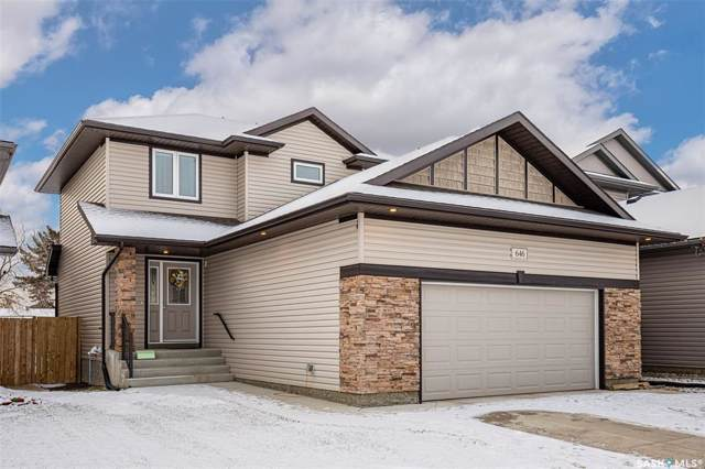 646 Lehrer Crescent, Saskatoon, SK S7R 0L2 (MLS #SK793416) :: The A Team