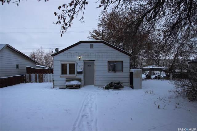 733 Weldon Avenue, Saskatoon, SK S7M 2V1 (MLS #SK793504) :: The A Team